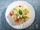 Рецепта Салата айсберг с чери домати, краставици, майонеза и слънчогледови семки